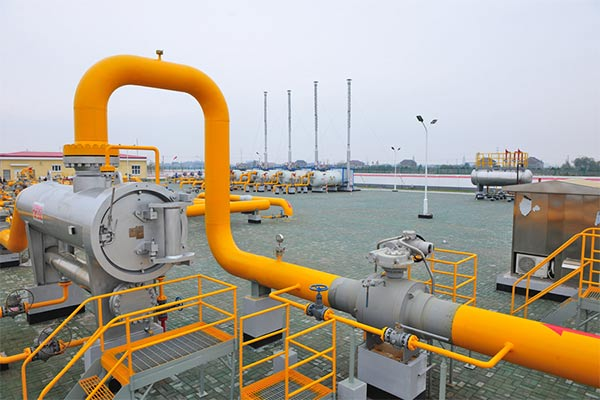 Gas transmission pipeline